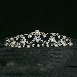 Graduated Pearl Heart Tiara 172-11457