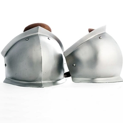 Knee Cops Flared Pair Suitable for the 1200's to 1300's 16 gauge steel